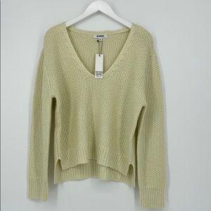 BB Dakota Iight green sweater for woman v-…